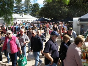 Stansbury Seaside Markets - Accommodation Guide