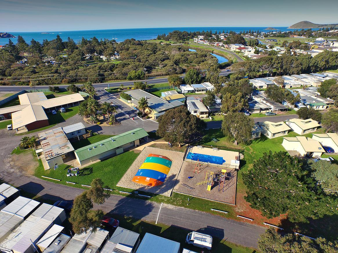 Victor Harbor Holiday  Cabin Park - Accommodation Guide