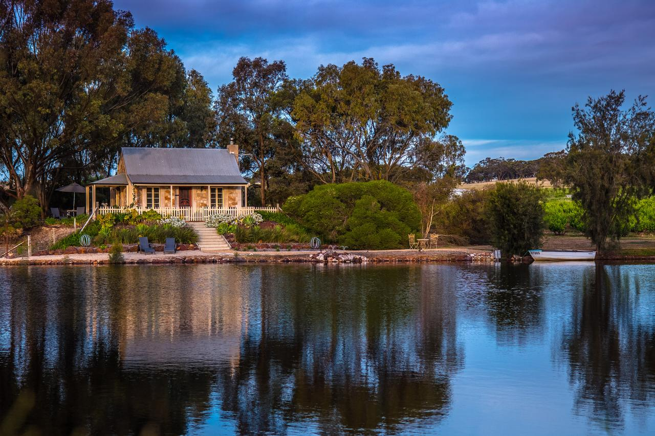 Stonewell Cottages and Vineyards - Accommodation Guide