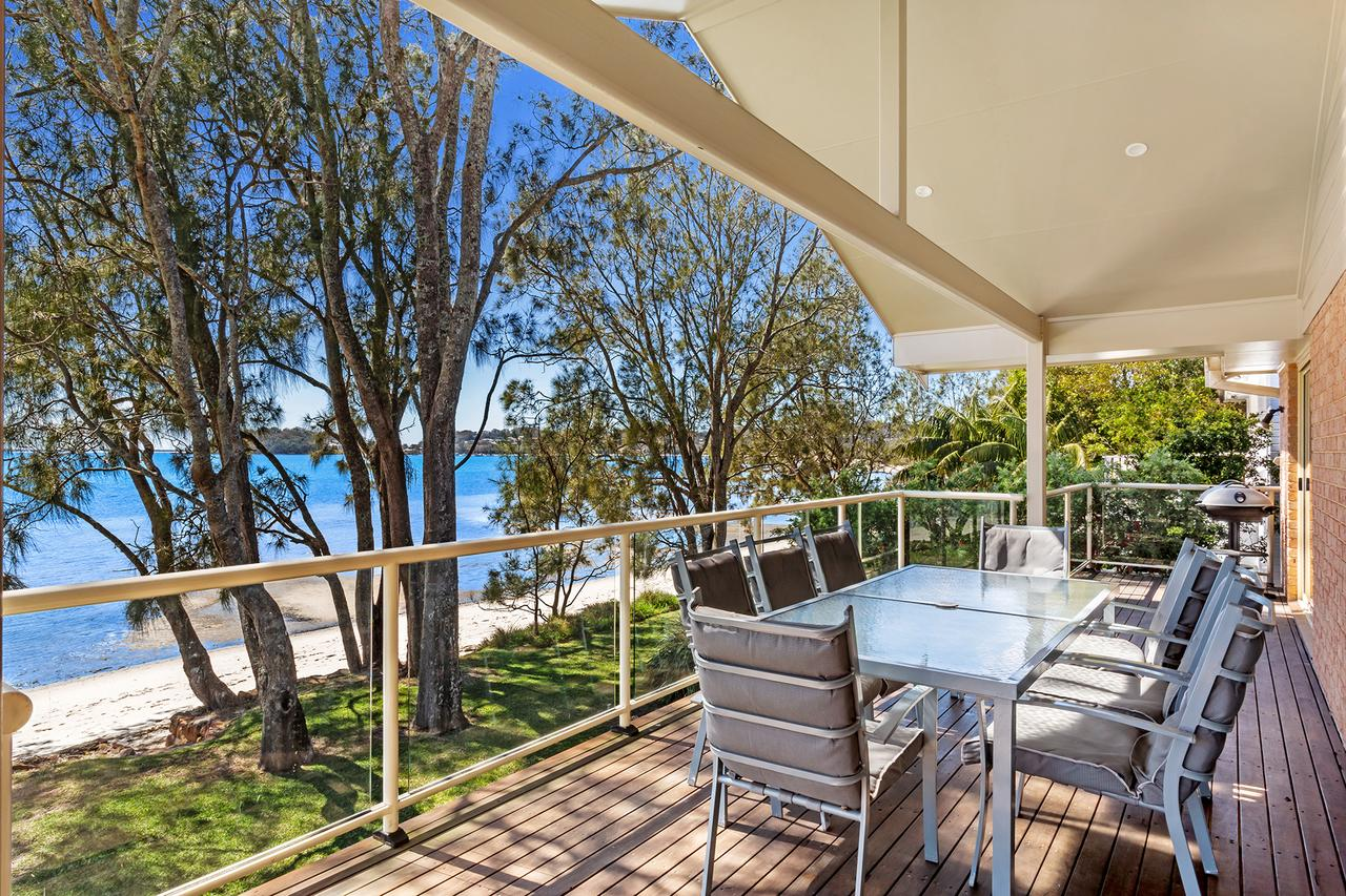 Foreshore Drive 123 Sandranch - Accommodation Guide