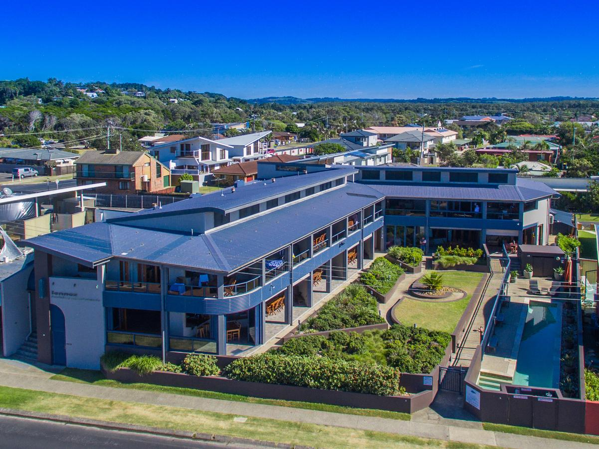 Lennox Holiday Apartments - Accommodation Guide